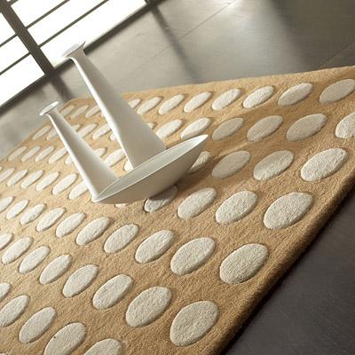 tapis de carving pompons beige et écru carving