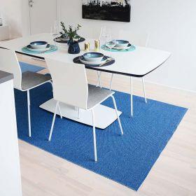 tapis moderne flip bleu foncé sofie sjöström