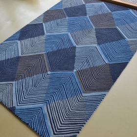 tapis segment indigo harlequin - avalnico