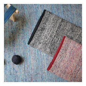 tapis fait main traverse bleu the rug republic