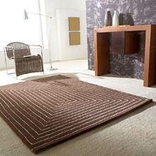 tapis marron en laine carving tridimensional