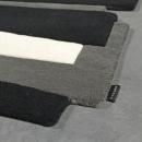 Tapis de couloir en laine PEBBLES noir et blanc Angelo