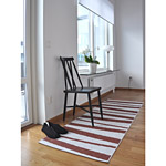 Tapis de couloir ARE SOFIE SJOSTROM DESIGN rayé choco et blanc
