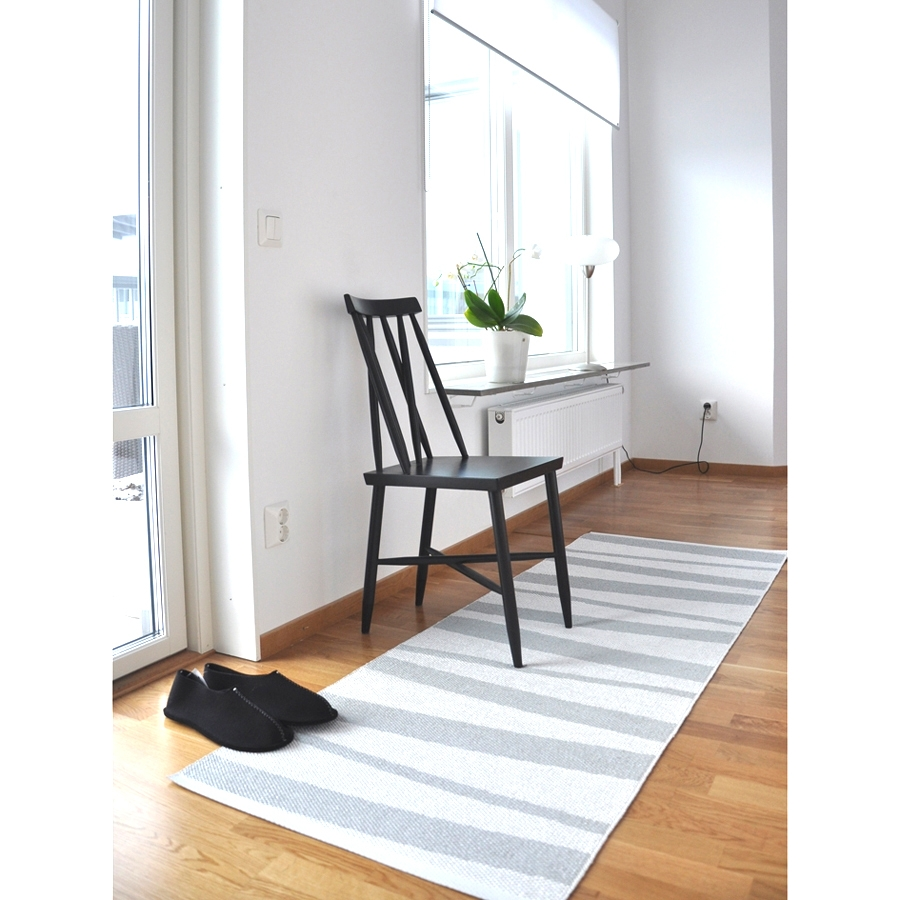 tapis de couloir are sofie sjostrom design ray gris et blanc 70x300. Black Bedroom Furniture Sets. Home Design Ideas