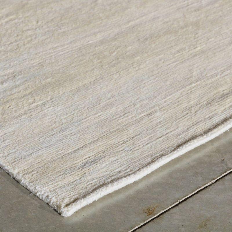 tapis moderne silky beige angelo 140 x 200. Black Bedroom Furniture Sets. Home Design Ideas