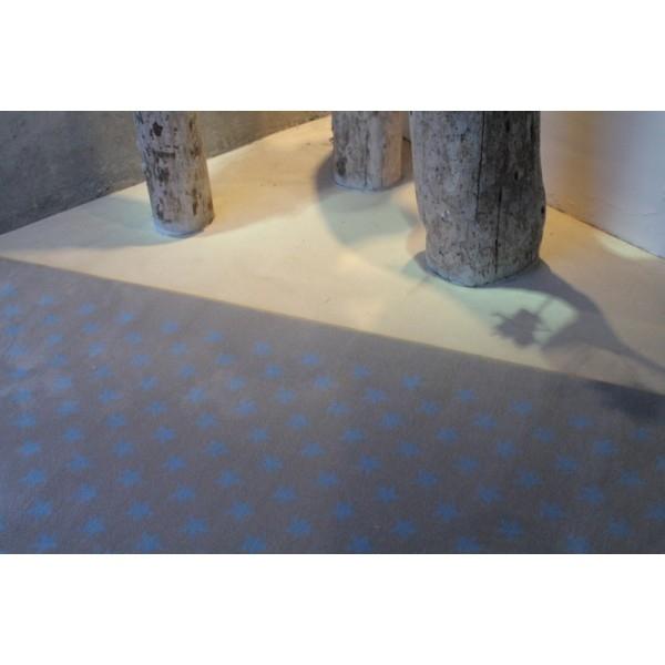 tapis enfant lorena canals estrellitas gris et bleu 200x300. Black Bedroom Furniture Sets. Home Design Ideas