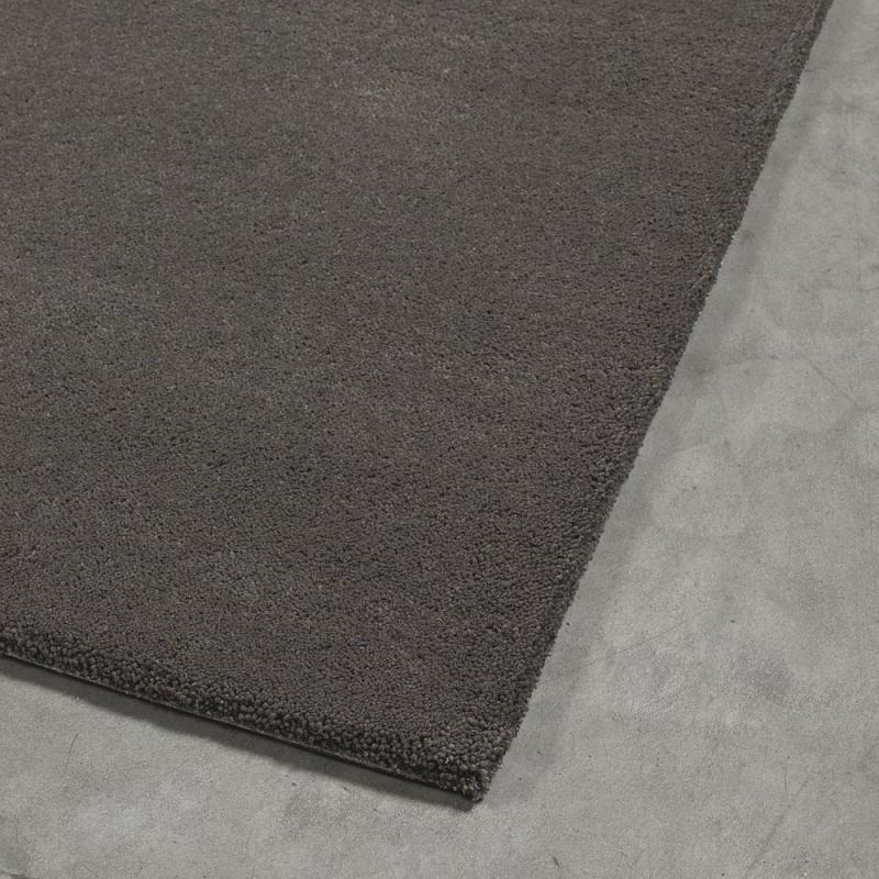 tapis tuft main flax noir angelo 200x300. Black Bedroom Furniture Sets. Home Design Ideas