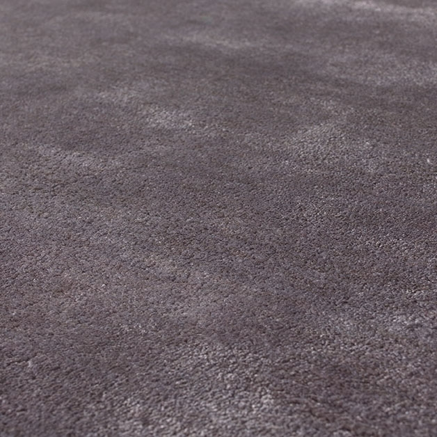tapis annapurna angelo en viscose tuft main gris fonc 200x300. Black Bedroom Furniture Sets. Home Design Ideas