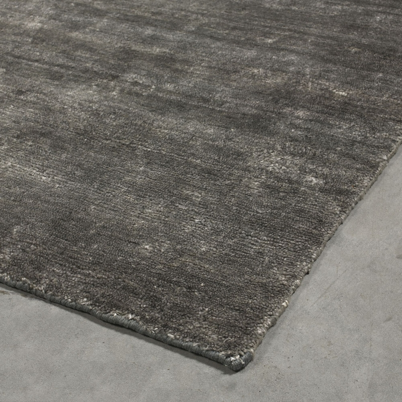 tapis nou main silky gris fonc angelo 140x200. Black Bedroom Furniture Sets. Home Design Ideas
