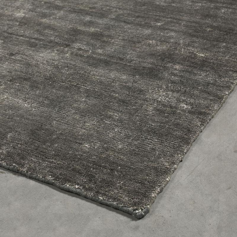 tapis silky gris fonc angelo nou main 200x300. Black Bedroom Furniture Sets. Home Design Ideas
