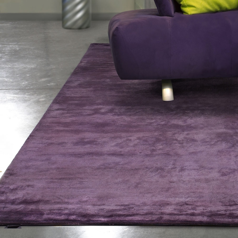 tapis de couloir akka en viscose lilas angelo 70x250. Black Bedroom Furniture Sets. Home Design Ideas