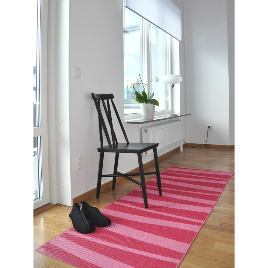 tapis de couloir are z br rose sofie sjostrom design 70x100. Black Bedroom Furniture Sets. Home Design Ideas