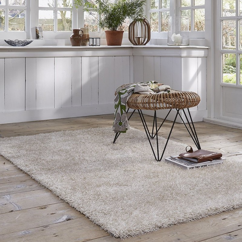 tapis cosy glamour shaggy blanc esprit home 80x150. Black Bedroom Furniture Sets. Home Design Ideas