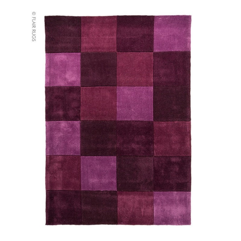 Tapis tuft main aubergine squared flair rugs 80x150 for Moquette chic