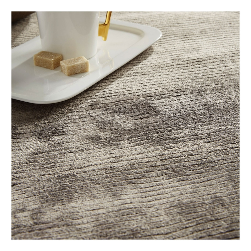 tapis en viscose gris harold home spirit 60x110. Black Bedroom Furniture Sets. Home Design Ideas