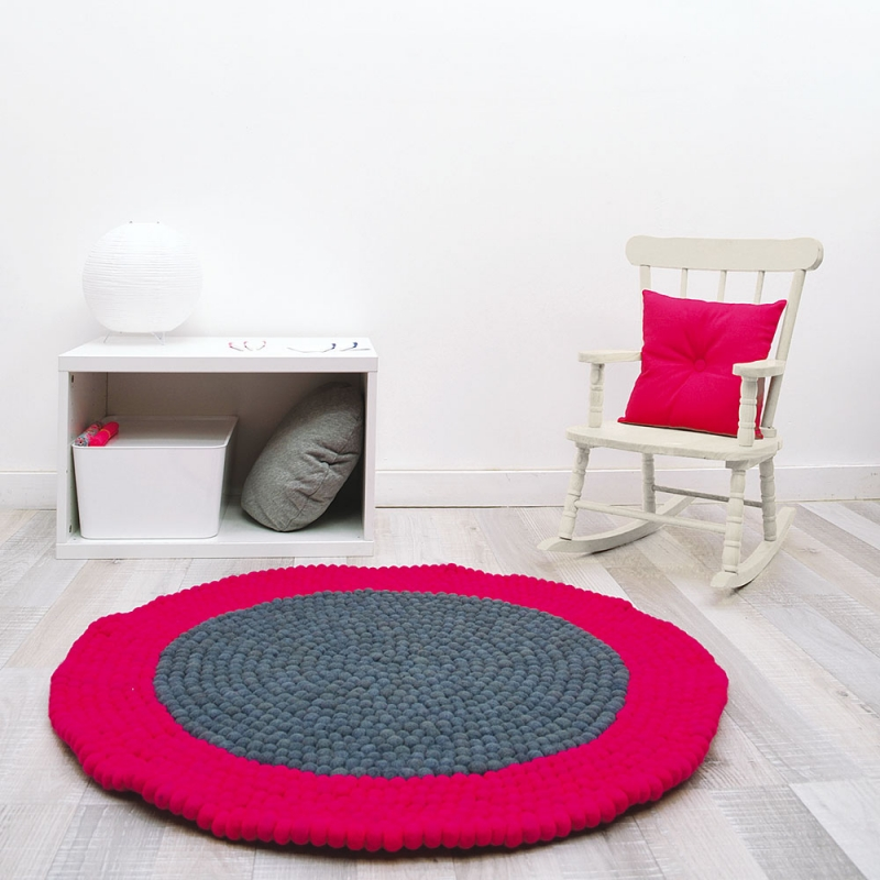 tapis enfant boules de laine neomix rose lilipinso 90x90. Black Bedroom Furniture Sets. Home Design Ideas