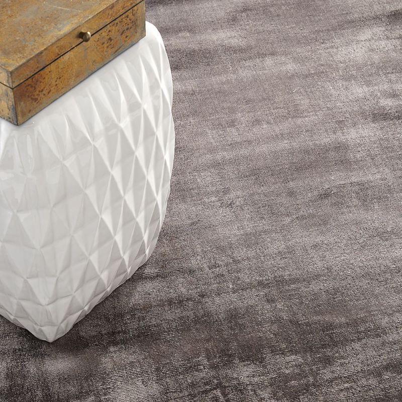 tapis en viscose taupe emil home spirit 170x230. Black Bedroom Furniture Sets. Home Design Ideas